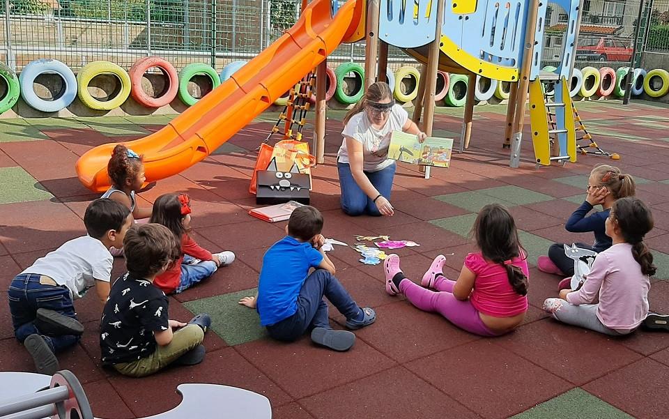 A Casa das Artes de Arcos de Valdevez desenvolve projetos anuais de atividades complementares com os Jardins de Infância concelhios, distribuídas por várias áreas