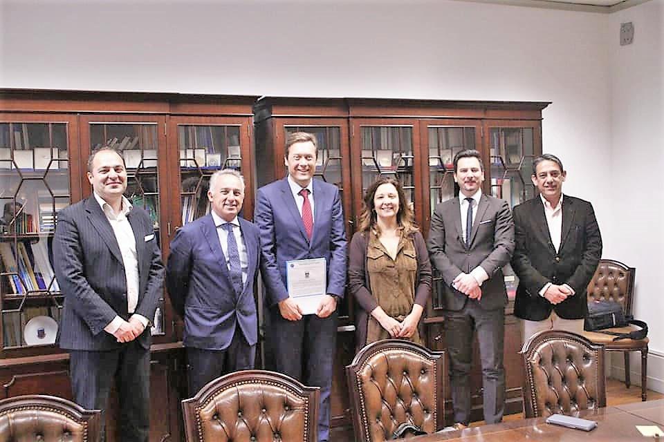 Presidente da autarquia barquense entregou petição na Assembleia da República | Peneda Gerês TV