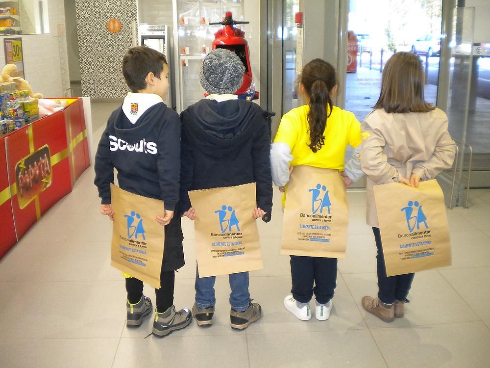 1255 Kg de bens alimentares foram recolhidos no concelho barquense de apoio ao Banco Alimentar | Peneda Gerês TV