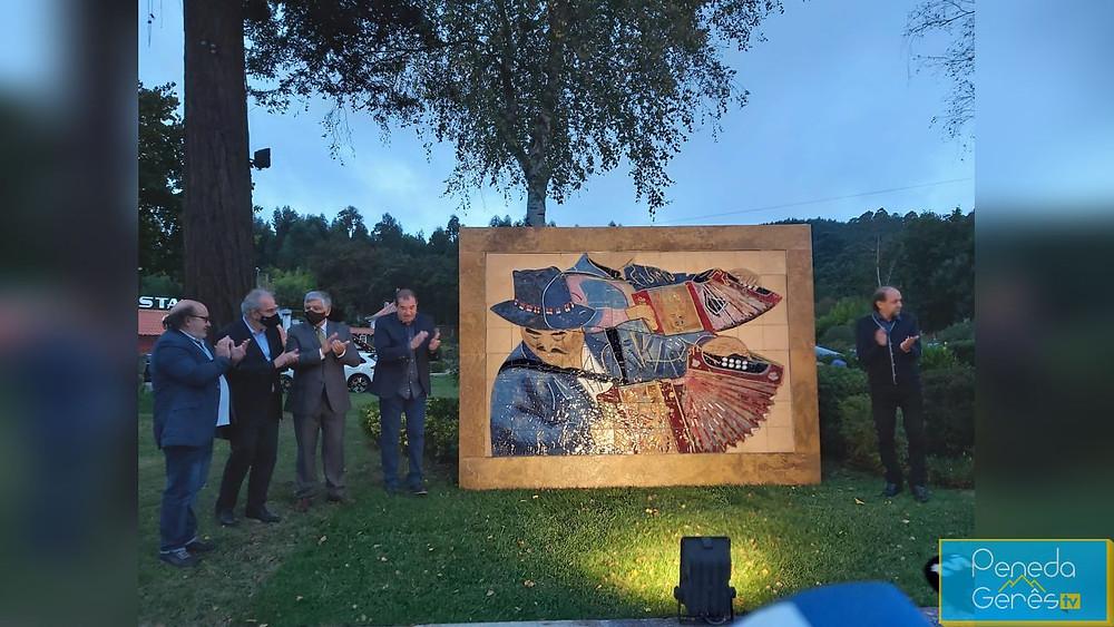 Foi inaugurada, esta quinta-feira, a escultura de Mário Rocha em homenagem ao 'Vilarinho de Covas', um nome incontornável para os amantes das concertinas.