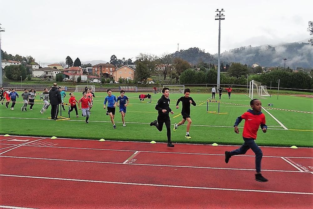 235 alunos da escola básica e secundária participaram no Corta-Mato | Peneda Gerês TV
