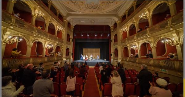 A 4ª edição do Festival de Teatro de Viana do Castelo já começou e decorre até 18 de novembro, oferecendo nove dias de espetáculos à população