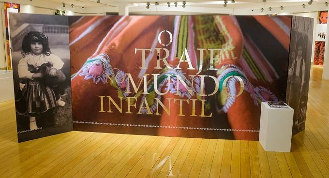 """Está patente até 29 de novembro a exposição """"O Traje no Mundo Infantil"""" no Museu do Traje de Viana do Castelo."""
