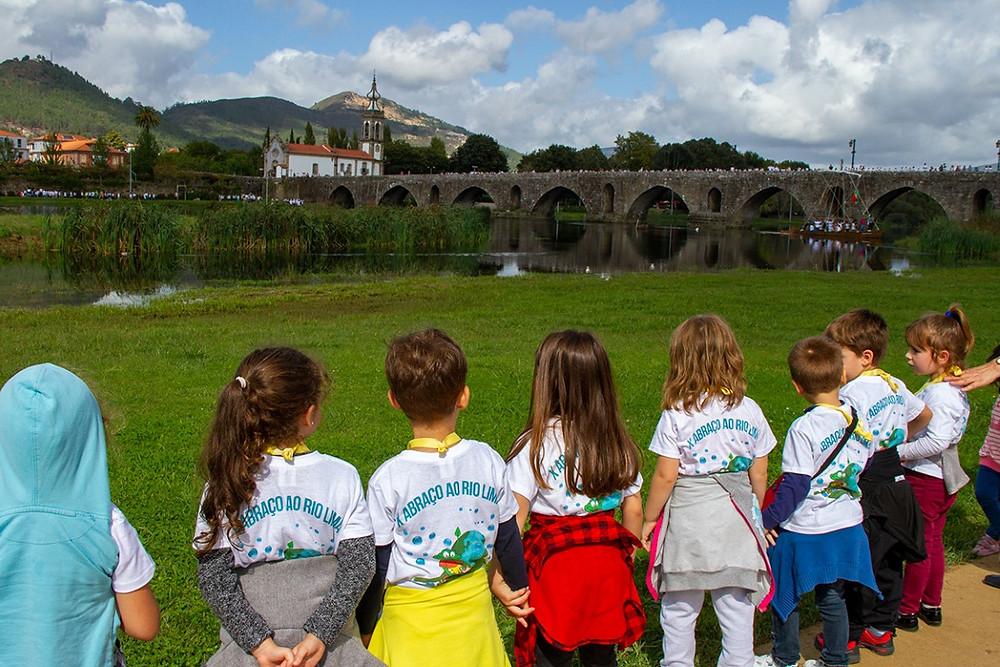 ABAE – Associação Bandeira Azul para a Europa, premiou sete escolas do concelho de Ponte de Lima