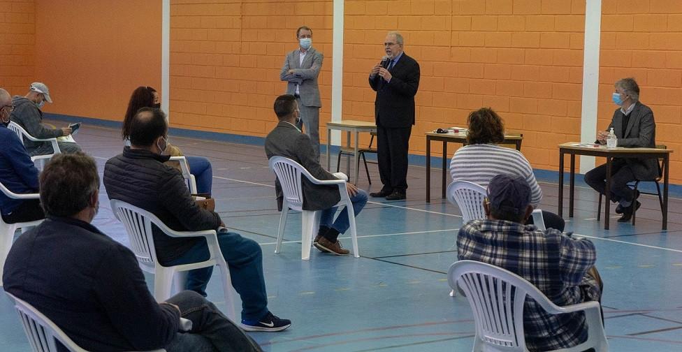 O Presidente da Câmara Municipal de Viana do Castelo entregou aos pescadores a chave dos 40 novos armazéns de aprestos de Castelo do Neiva