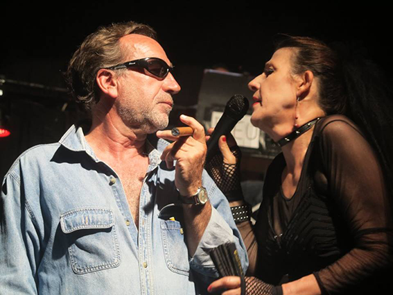 Gainsbourg-fume-encore-19
