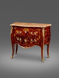 Außergewöhnliche Louis-XV-Kommode