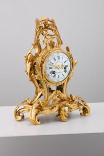 Ungewöhnliche Louis-XV-Kaminuhr