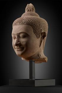 Eindrucksvoller Kopf eines Buddha