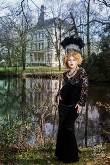 Fotograaf: Lydia De Wachter Muah & Model: Rosa Black Organisatie evenement en locatie: Luxury Photoshoot Events met Jan Vangheluwe en Stefanie Lacante