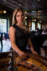 Fotograaf: Kevin Vlemincx Model: Sylvie Pelgrim Mua: Tineke Meirsschaut Organisatie locatie & evenement : Luxury Photoshoot Events met Jan Vangheluwe & Stefanie Lacante