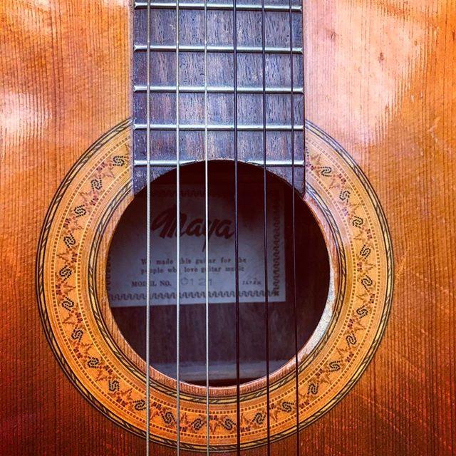 #musically #weekend #goodtimes #vintage #guitar #spanishguitar #thebest #singitloud #koeiesteyn