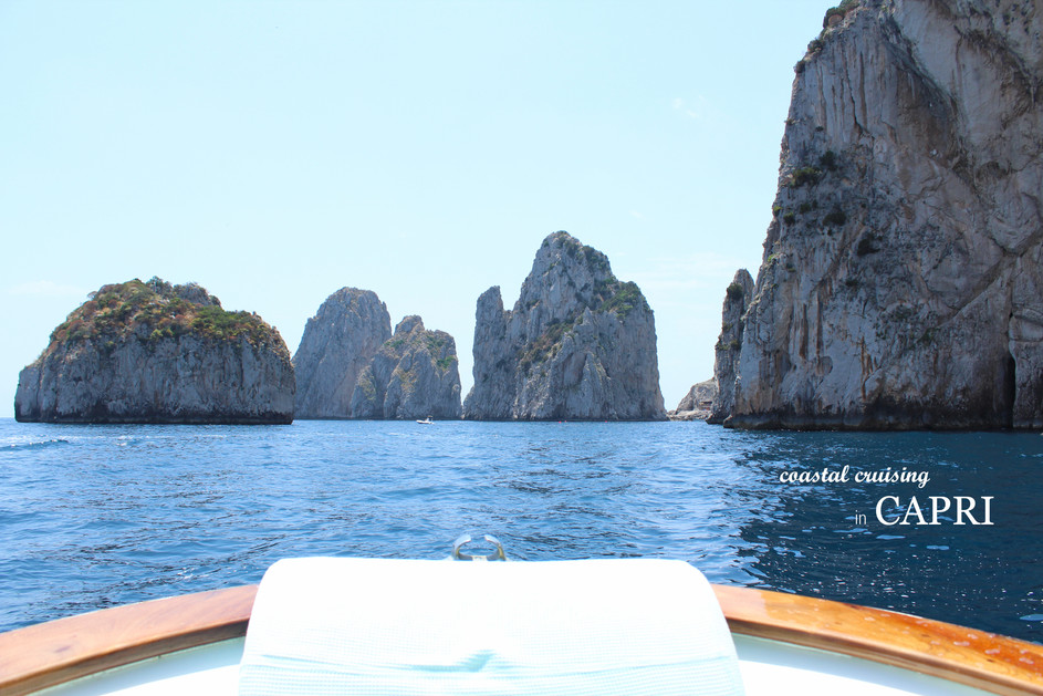 COASTAL CRUISING IN CAPRI