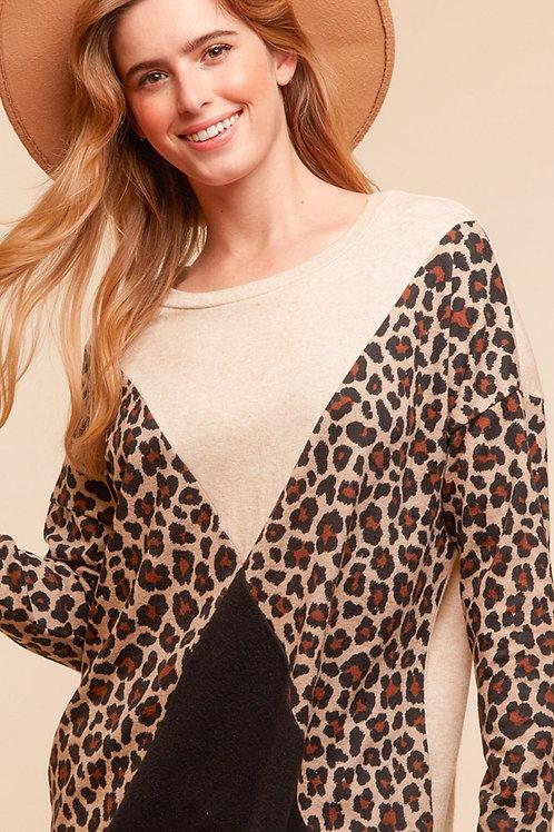 Leopard cross block top