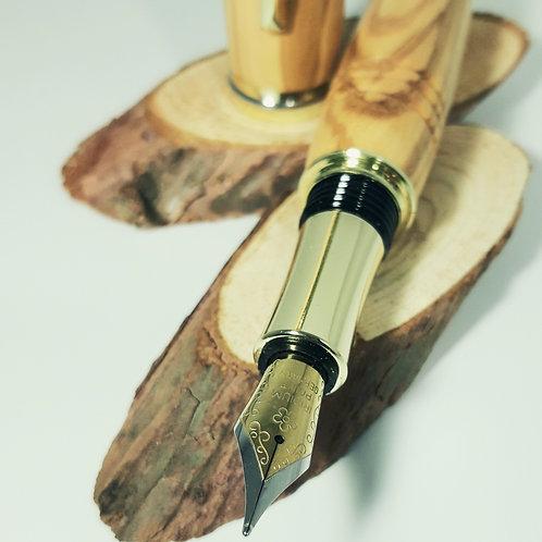 Wunderschöner Füller aus Olivenholz