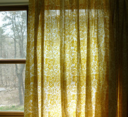 Joyce; Voile Window