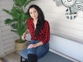 Μιλάμε με τη Ζανέτα Κουτσάκη για τα βιβλία της