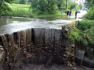 Дощ змив міст у Тальнівському районі