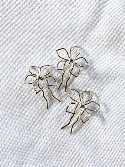Tiny Bridal Flower Pin