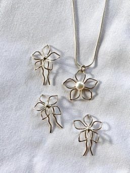 Bridal Flower Pin and Necklace