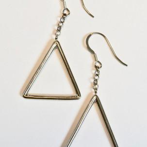 E1.2 Simple Triangle.jpg
