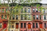 81259457-brownstones-in-the-harlem-neigh