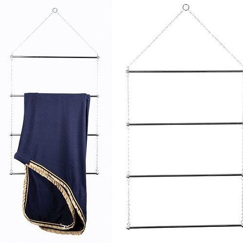 Metal blanket/saddlepad holder