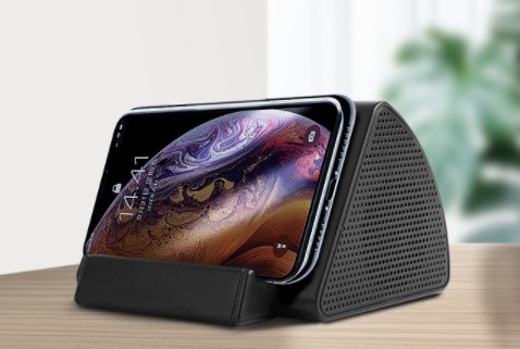 Touch and play speaker