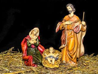 LA SAINTE FAMILLE DE JÉSUS, MARIE ET JOSEPH