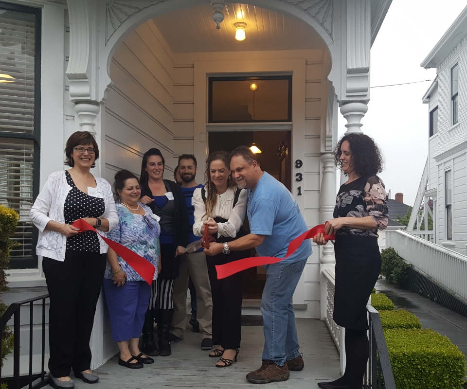 Magna Wealth Solutions cuts the ribbon on their new offices in Old Town Eureka.