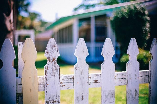 Do good fences make good neighbors?