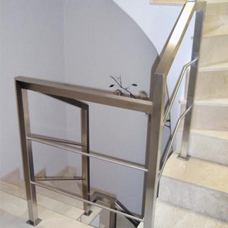 Guarda-corpo para escada em aço inox