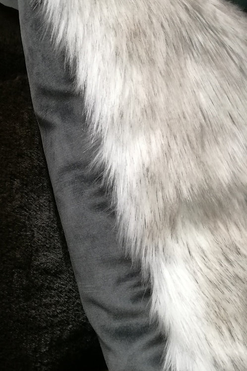 Husky pillow. Faux fur cushion. High quality feather pad.Super soft & luxurious.