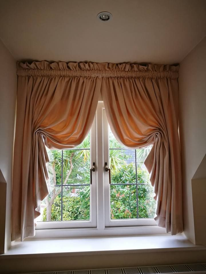 Italian strung curtains