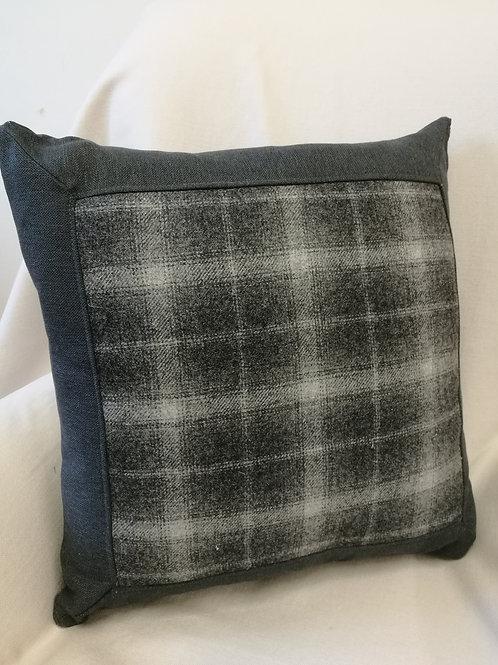 """Plaid pillow.Grey 18"""" checked cushion."""
