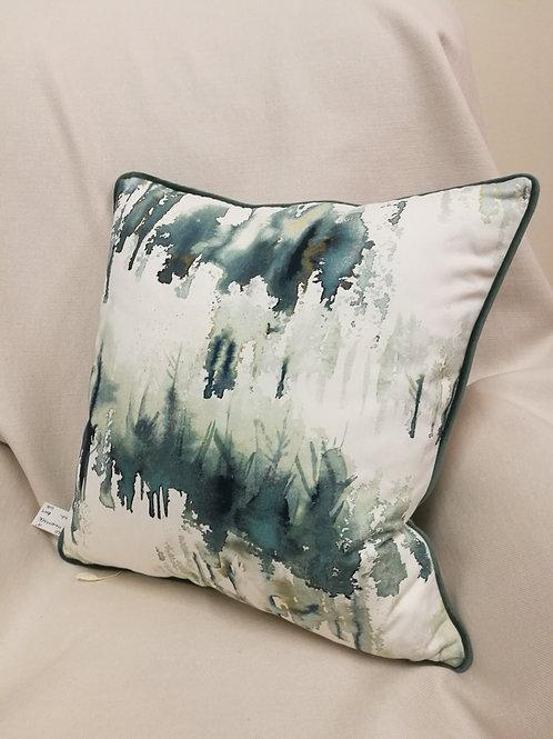 "18"" Villa Nova Norrland cushion with velvet piping"