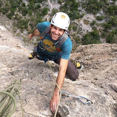Joshua Tree Mojave Guides' Nate Pakula Climbing
