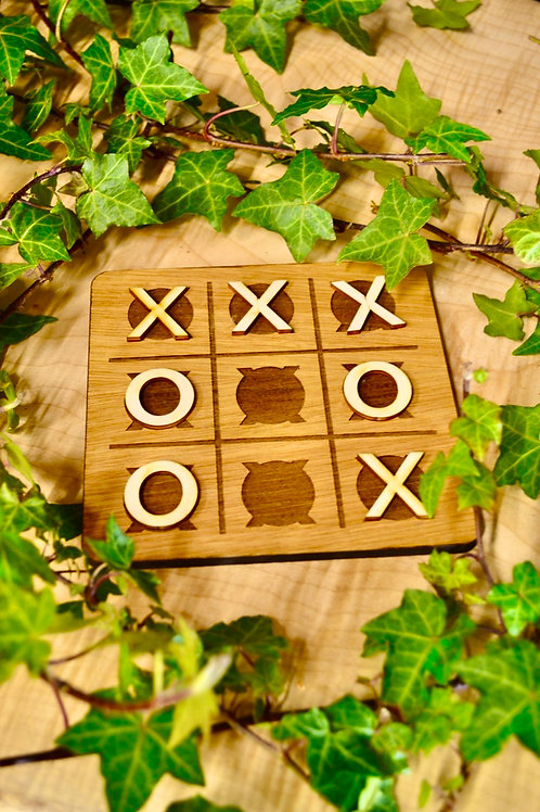 Noughts and crosses game set