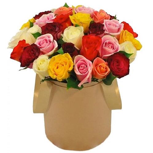 35 роз Микс в шляпной коробке