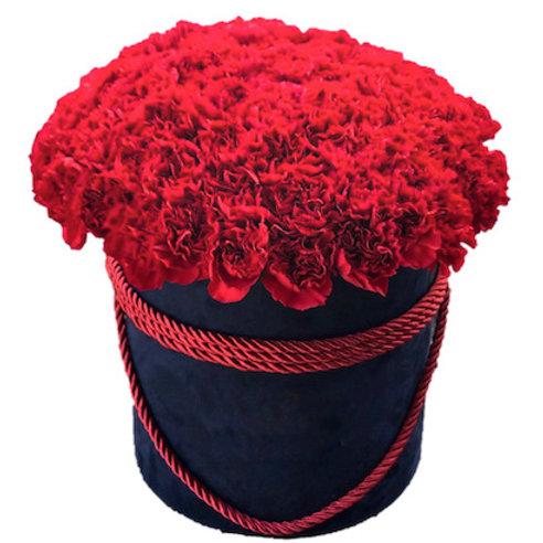 51 красная гвоздика в шляпной коробке
