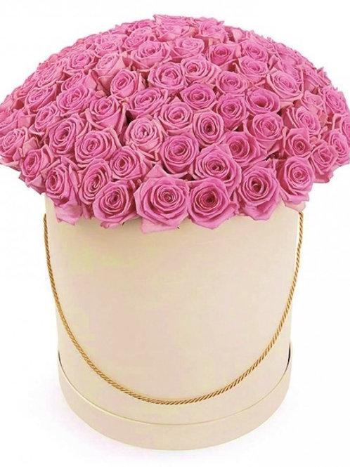 101 розовая кенийская роза в шляпной коробке