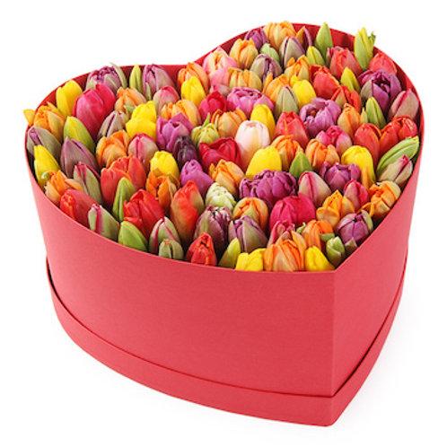 Микс из 101 тюльпана в коробке в виде сердца