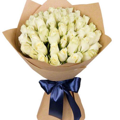 39 белых кенийских роз