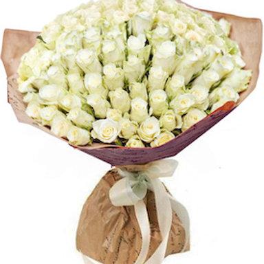 101 белая кенийская роза
