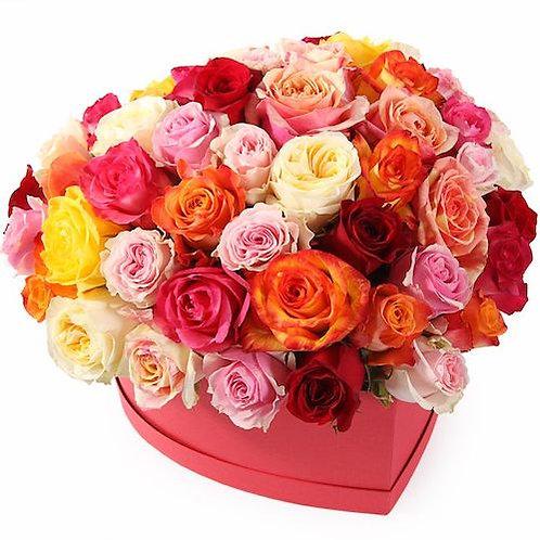 51 роза Микс в коробке в виде сердца