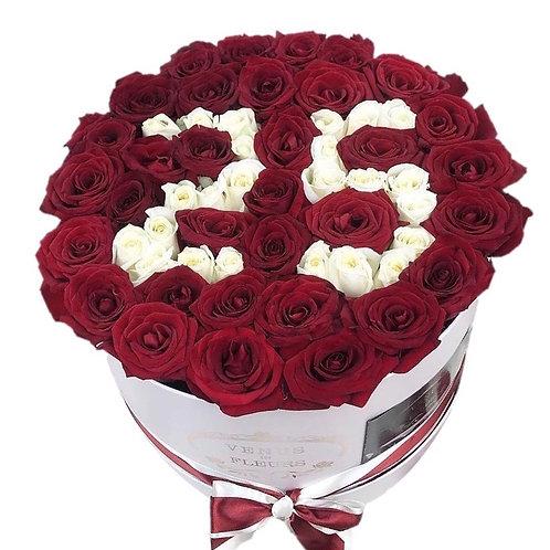 51 роза премиум Эквадор в виде любой надписи в шляпной коробке