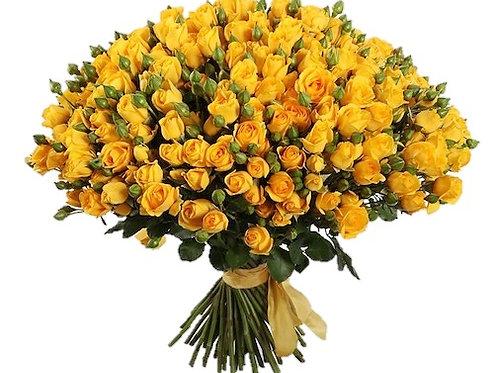 101 желтая кустовая роза