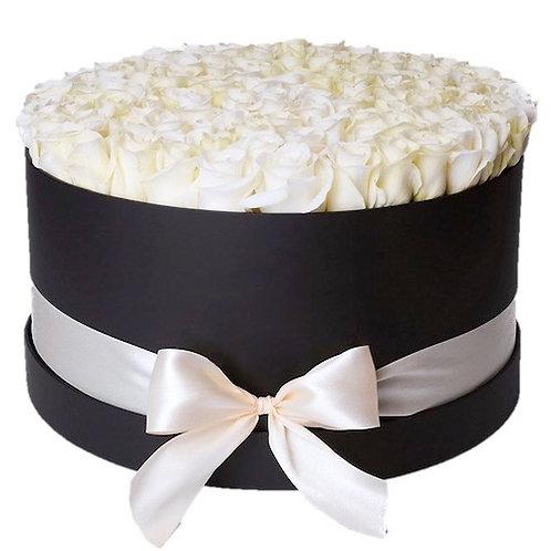 101 белая роза премиум Эквадор Венделла в шляпной коробке