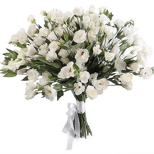 Букет 51 белая эустома (лизиантус)
