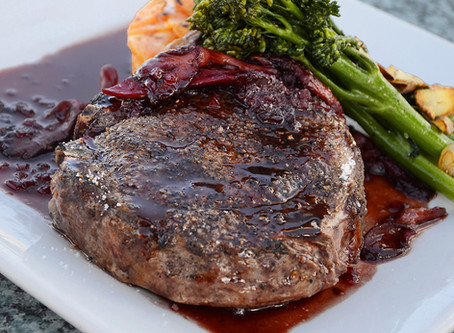 Kangaroo steaks in red wine sauce cooked with Cooxy
